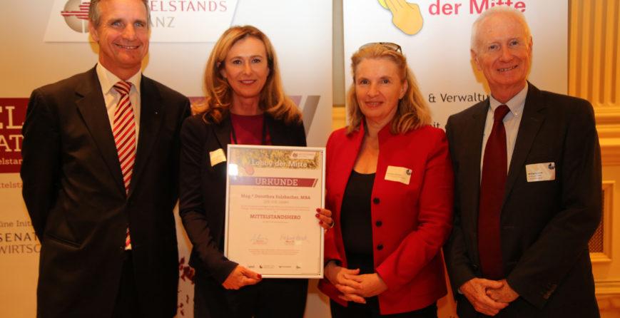 dorothea-sulzbacher-beim-4-tag-des-mittelstandes-als-heldin-des-mittelstands-geehrt